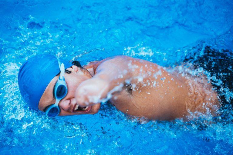 presets chico nadando